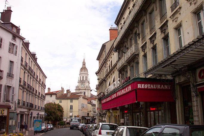 Ficheiro:Bourg-en-Bresse.JPG