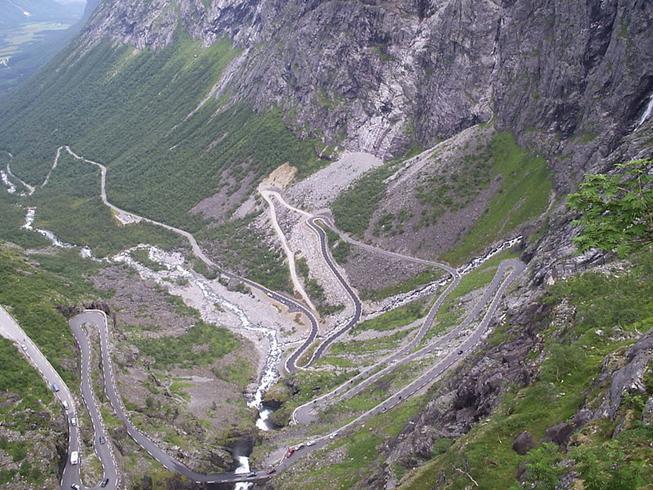 Arquivo: Trollstigen Norway 2006.JPG