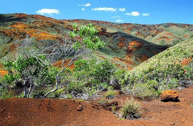 File: Landscape, ao sul da Nova Caledônia.jpg