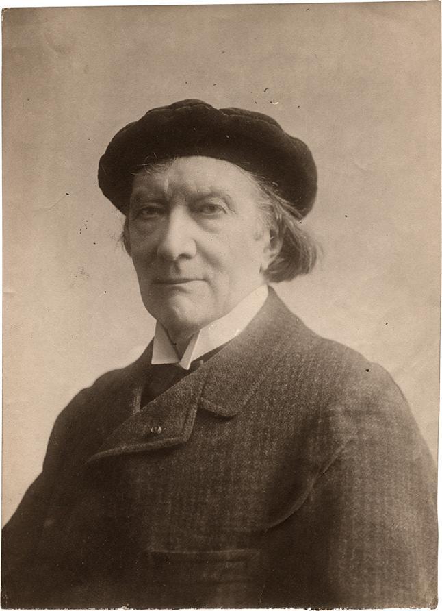 https://upload.wikimedia.org/wikipedia/commons/b/b5/Victorien_Sardou_%28before_1908%29_-_Archivio_Storico_Ricordi_FOTO001650.jpg
